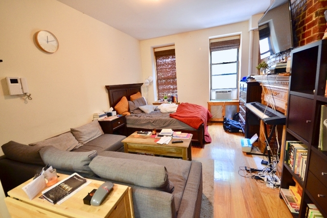 Studio, Hell's Kitchen Rental in NYC for $2,140 - Photo 1