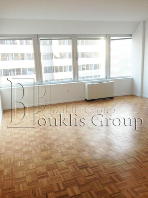 2 Bedrooms, Civic Center Rental in NYC for $3,579 - Photo 1