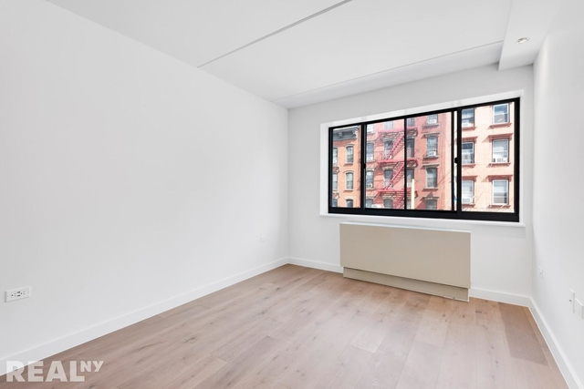 1 Bedroom, Two Bridges Rental in NYC for $3,988 - Photo 2