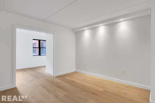 1 Bedroom, Two Bridges Rental in NYC for $4,033 - Photo 2