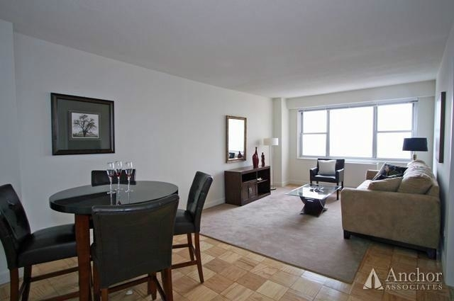 2 Bedrooms, Yorkville Rental in NYC for $5,995 - Photo 2