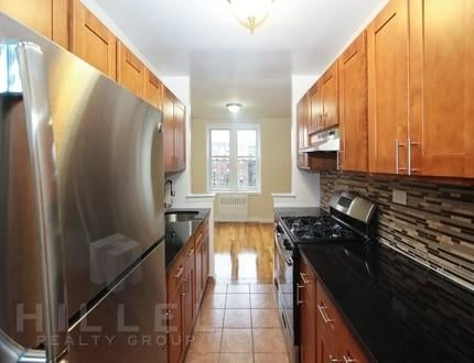 2 Bedrooms, Murray Hill Rental in NYC for $2,450 - Photo 2