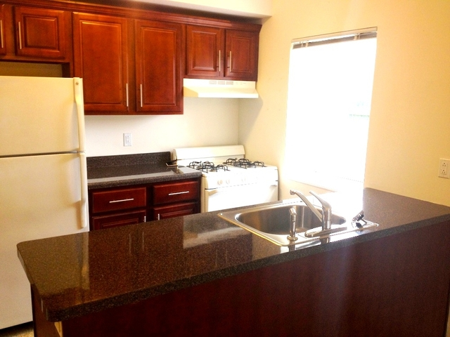1 Bedroom, Seaside Rental in NYC for $1,550 - Photo 2