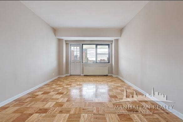 1 Bedroom, Carnegie Hill Rental in NYC for $3,300 - Photo 2