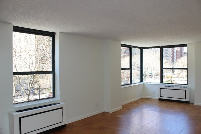 2 Bedrooms, Upper West Side Rental in NYC for $6,505 - Photo 1