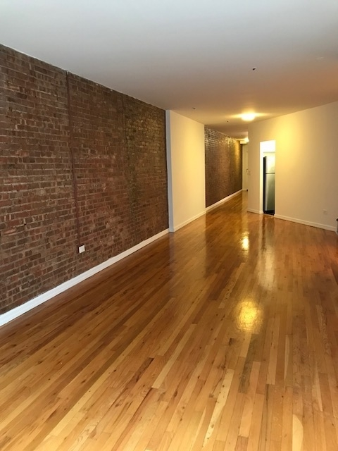 2 Bedrooms, West Village Rental in NYC for $8,225 - Photo 2