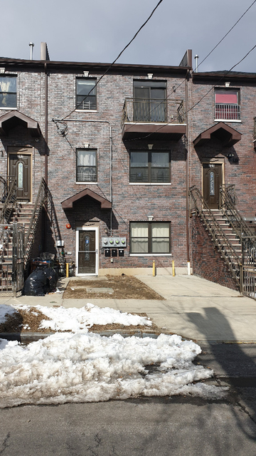 3 Bedrooms, Williamsbridge Rental in NYC for $2,300 - Photo 1