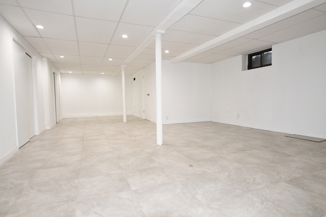 2 Bedrooms, Sunnyside Rental in NYC for $4,000 - Photo 2