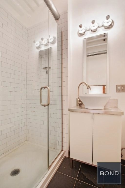 2 Bedrooms, Little Italy Rental in NYC for $6,300 - Photo 2