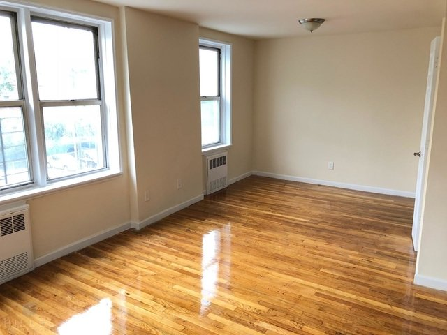 1 Bedroom, Flushing Rental in NYC for $1,975 - Photo 2