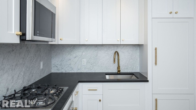 1 Bedroom, Two Bridges Rental in NYC for $3,643 - Photo 1