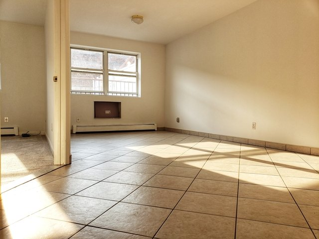 2 Bedrooms, Sunnyside Rental in NYC for $3,400 - Photo 2