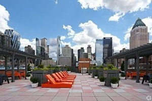 3 Bedrooms, Hell's Kitchen Rental in NYC for $3,769 - Photo 1