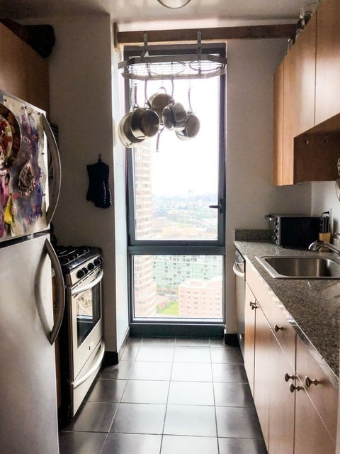 2 Bedrooms, Hunters Point Rental in NYC for $3,850 - Photo 2