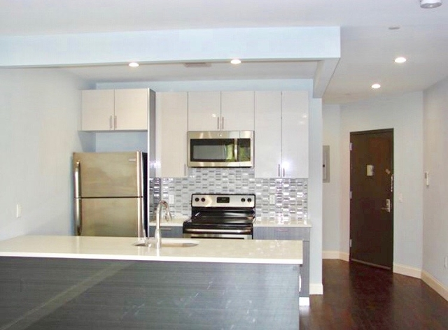 2 Bedrooms, Astoria Rental in NYC for $2,750 - Photo 1