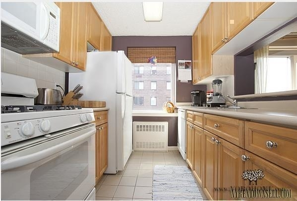 1 Bedroom, Battery Park City Rental in NYC for $2,395 - Photo 2