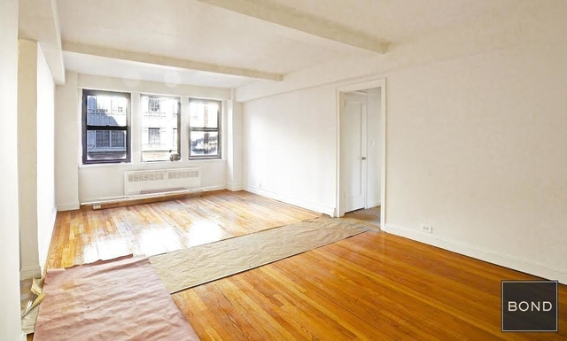 2 Bedrooms, Tudor City Rental in NYC for $4,395 - Photo 2