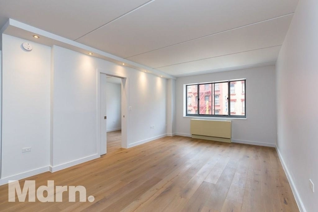 2 Bedrooms, Two Bridges Rental in NYC for $3,998 - Photo 2