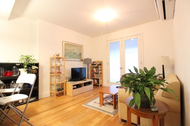 2 Bedrooms, Crown Heights Rental in NYC for $3,160 - Photo 2