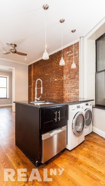 2 Bedrooms, Alphabet City Rental in NYC for $3,754 - Photo 2