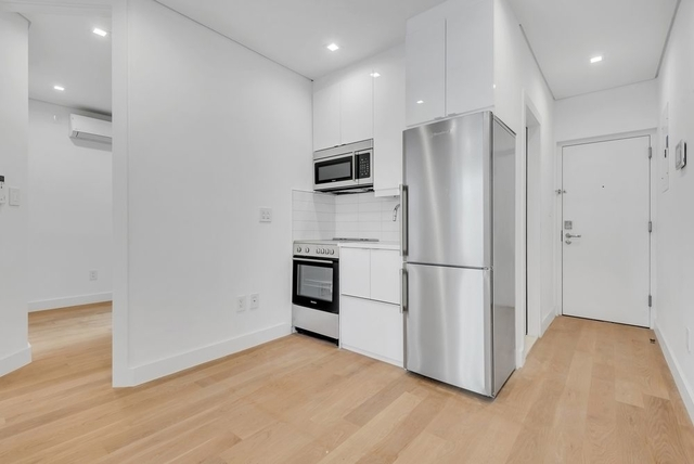 2 Bedrooms, SoHo Rental in NYC for $3,972 - Photo 2