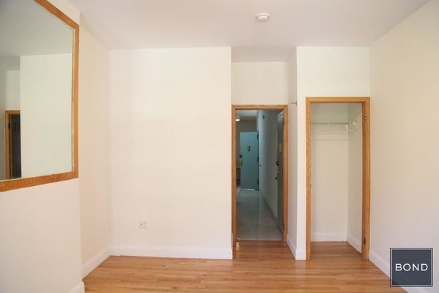 2 Bedrooms, Yorkville Rental in NYC for $2,999 - Photo 2