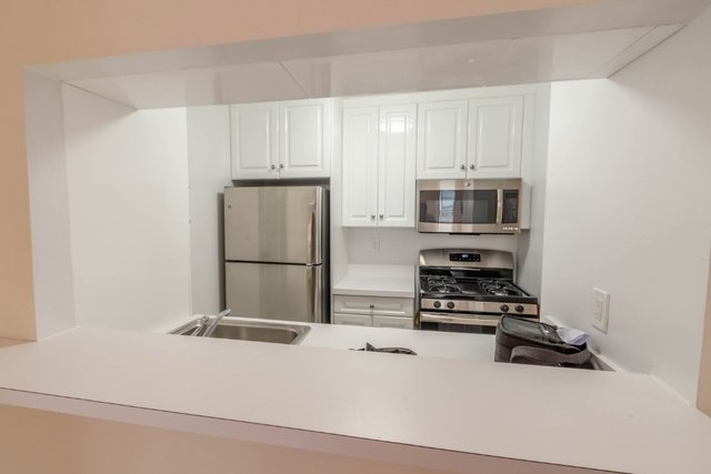 2 Bedrooms, NoHo Rental in NYC for $6,250 - Photo 2