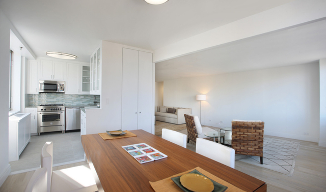 3 Bedrooms, Upper West Side Rental in NYC for $8,495 - Photo 2