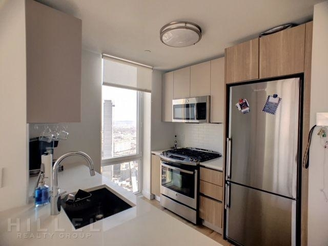 1 Bedroom, Long Island City Rental in NYC for $3,721 - Photo 1