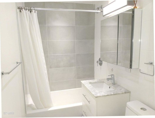1 Bedroom, Turtle Bay Rental in NYC for $3,162 - Photo 2