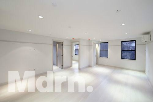 6 Bedrooms, East Village Rental in NYC for $10,000 - Photo 1