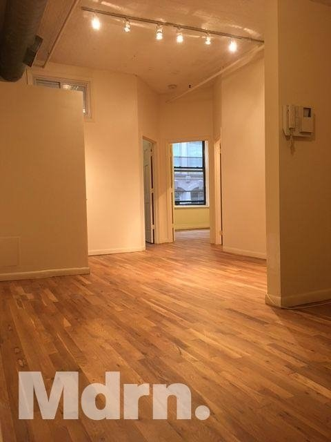 4 Bedrooms, Tribeca Rental in NYC for $5,990 - Photo 2