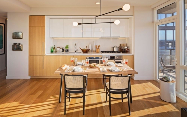 2 Bedrooms, Hell's Kitchen Rental in NYC for $6,400 - Photo 1