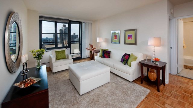 2 Bedrooms, Yorkville Rental in NYC for $5,830 - Photo 2