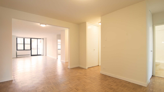 2 Bedrooms, Yorkville Rental in NYC for $5,830 - Photo 1
