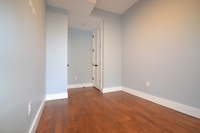 4 Bedrooms, Ocean Hill Rental in NYC for $2,550 - Photo 2