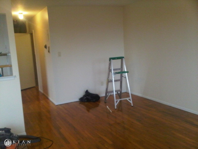2 Bedrooms, Maspeth Rental in NYC for $2,000 - Photo 2