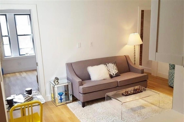 4 Bedrooms, Chelsea Rental in NYC for $7,560 - Photo 2