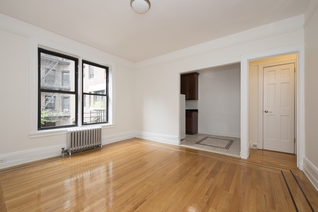 2 Bedrooms, Jackson Heights Rental in NYC for $2,499 - Photo 1