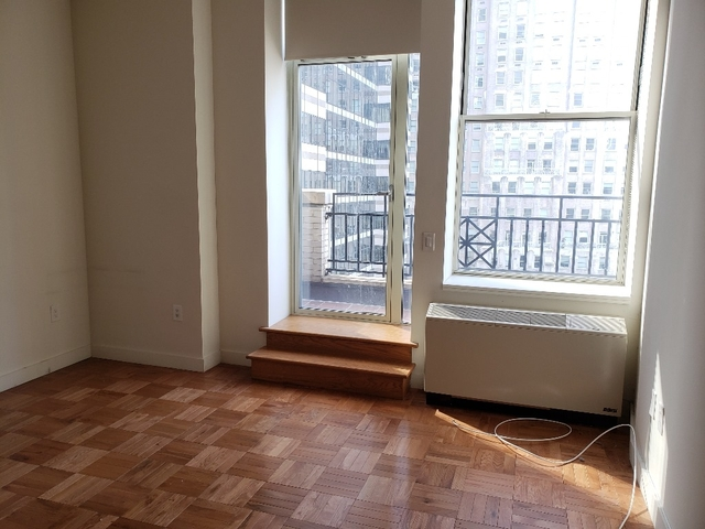 Studio, Financial District Rental in NYC for $2,375 - Photo 2