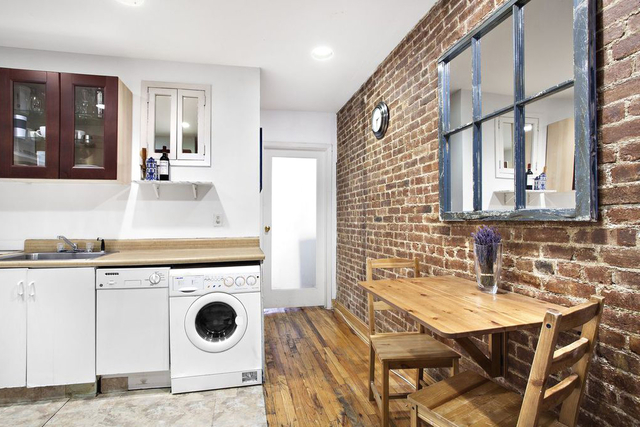 Studio, Hell's Kitchen Rental in NYC for $2,450 - Photo 2