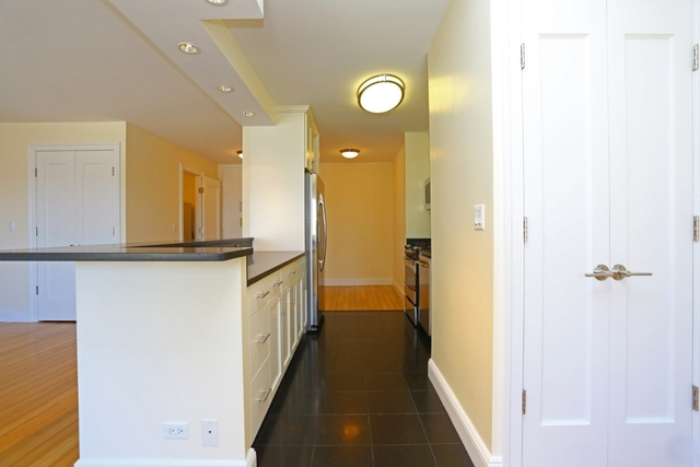 2 Bedrooms, Lincoln Square Rental in NYC for $5,050 - Photo 2