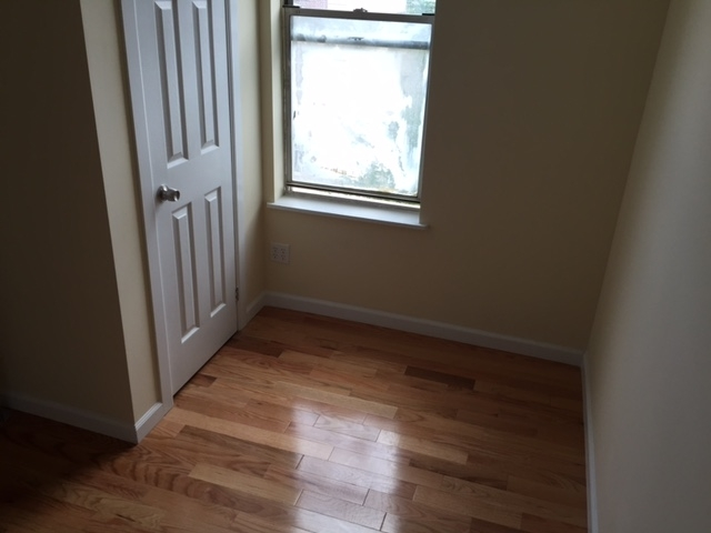 3 Bedrooms, Manhattanville Rental in NYC for $2,400 - Photo 2