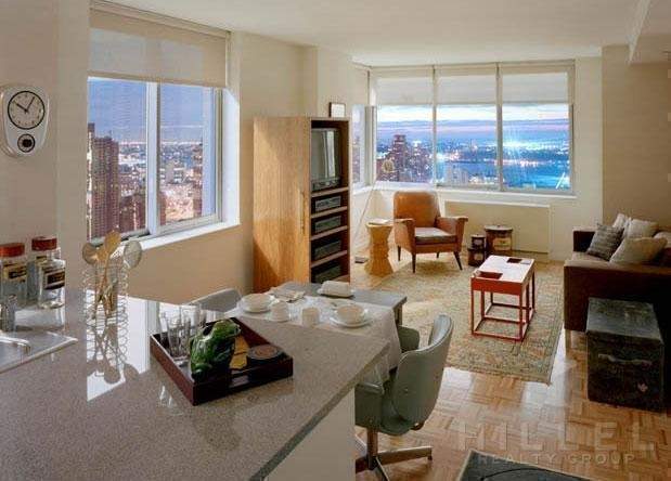 2 Bedrooms, Theater District Rental in NYC for $5,895 - Photo 2
