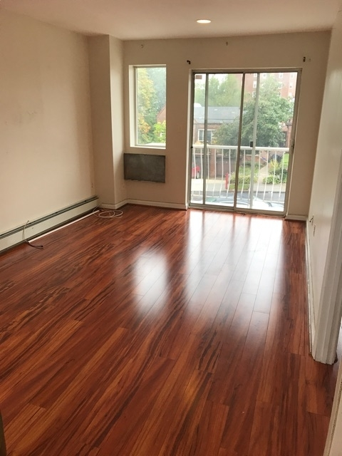 3 Bedrooms, Forest Hills Rental in NYC for $2,495 - Photo 1