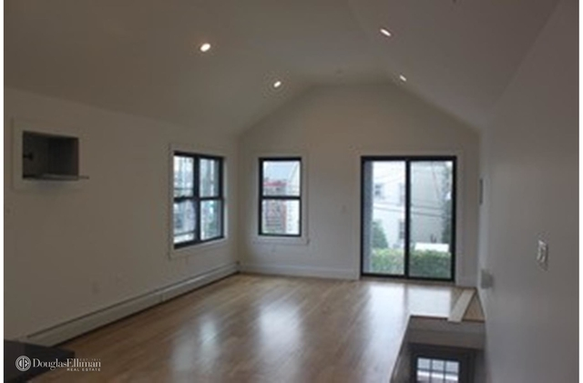 4 Bedrooms, Maspeth Rental in NYC for $3,400 - Photo 2