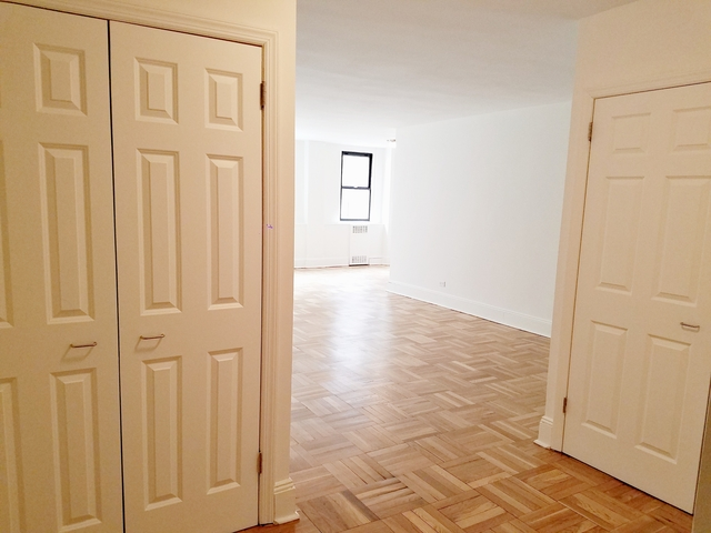 3 Bedrooms, Yorkville Rental in NYC for $8,025 - Photo 2
