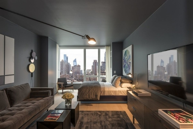1 Bedroom, Hell's Kitchen Rental in NYC for $3,425 - Photo 2
