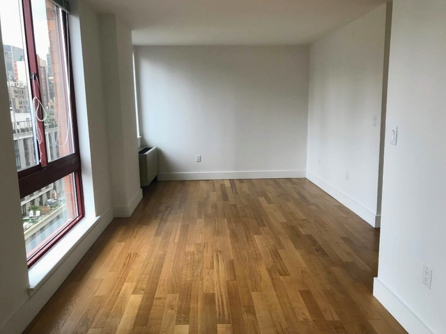 2 Bedrooms, Hell's Kitchen Rental in NYC for $3,090 - Photo 2