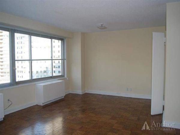3 Bedrooms, Upper East Side Rental in NYC for $11,450 - Photo 2